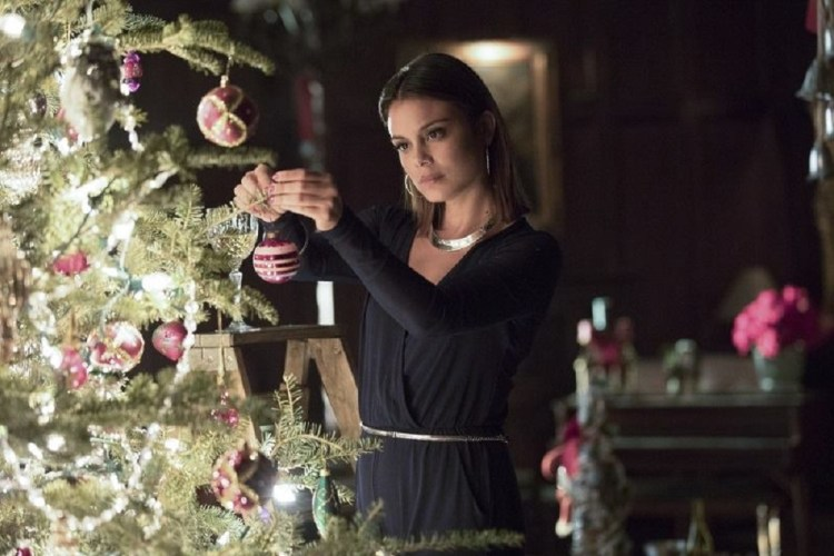 deck-the-halls-the-vampire-diaries-season-8-episode-7