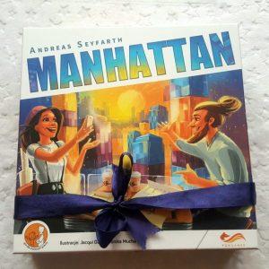 20180910_225425-1926766772-300x300 GRAnatowy czwartek: Rewelacyjna gra strategiczna Manhattan w nowej odsłonie od FoxGames.