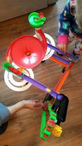 20181006_223951510236281-296x300 Pomysł na prezent: Tor Kulkowy Migoga Elevator dla dzieci w wieku ok 5-12 lat
