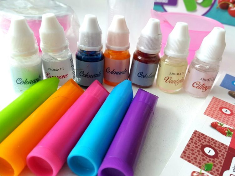 20190413184915746616405-683x1024 Pomysł na prezent: Moje Pierwsze Perfumy i Manufaktura Szminek 8-12+