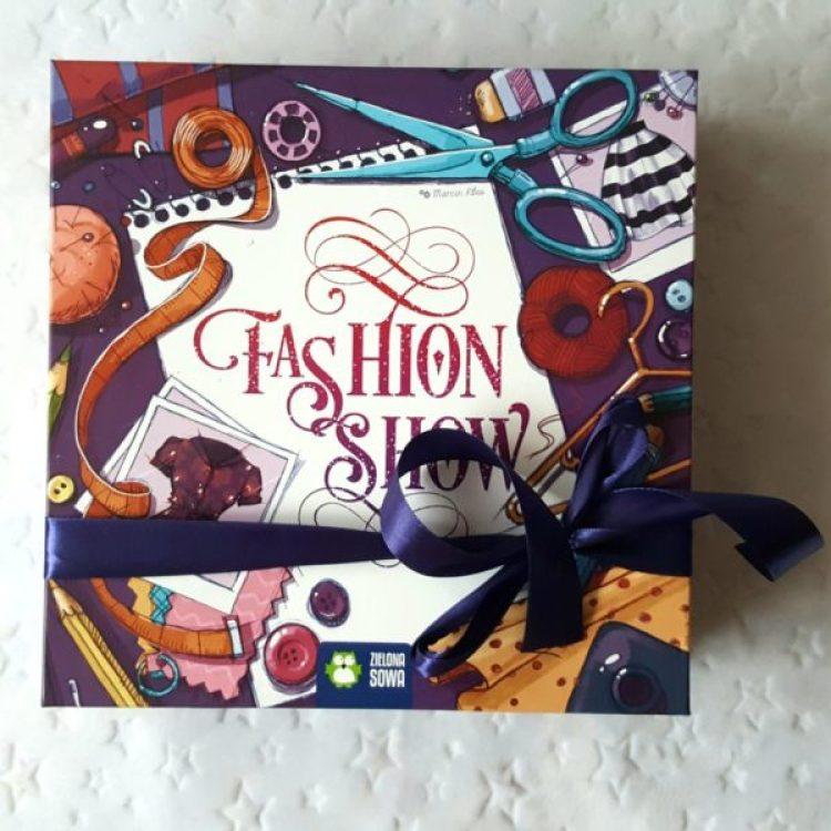 20190621_183440185214797-1024x1024 GRAnatowy czwartek: Fashion Show od Wydawnictwa Zielona Sowa.