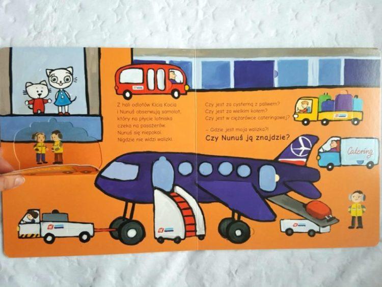 20191114_195325321099973-768x1024 Kicia Kocia leci samolotem – nowości z serii: Kicia Kocia na lotnisku oraz Gdzie jest moja walizka? Media Rodzina JESIEŃ 2019