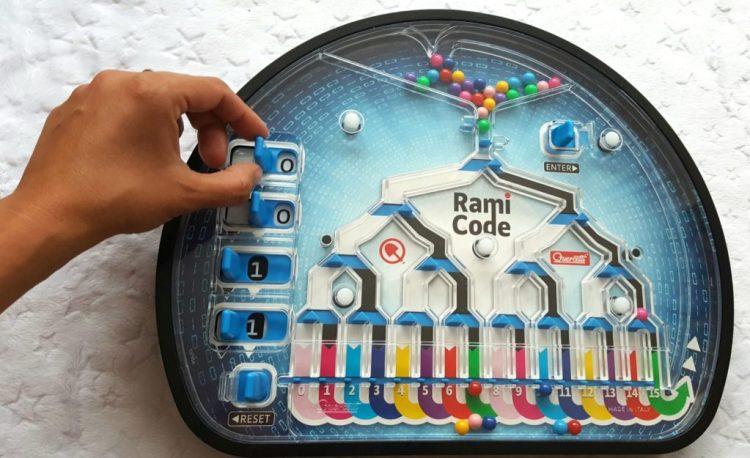 IMG_20200825_101549-1024x1007 Pomysł na prezent: Rami Code – gra logiczna i nauka programowania od Quercetti 4+