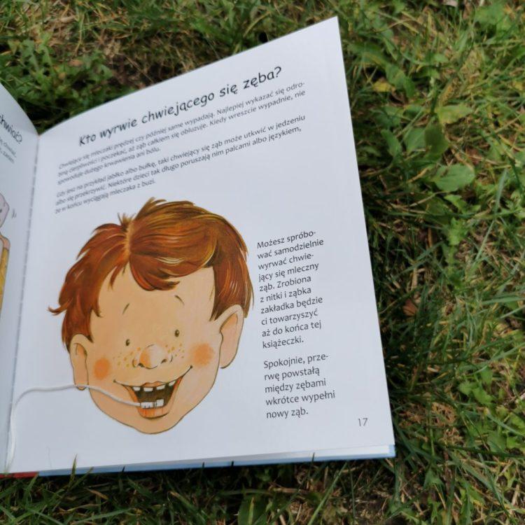 wp-1600030315394-1024x1024 Moje zęby – wszystko co dziecko o zębach wiedzieć powinno. Wydawnictwo Debit- wrzesień 2020