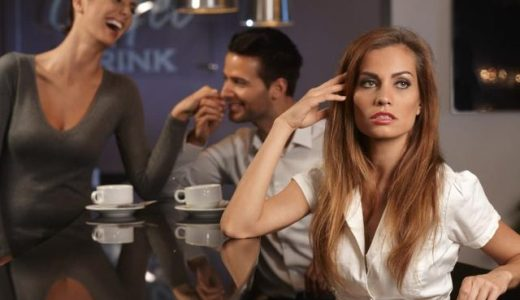 僻みっぽい女性の心理・特徴7つ