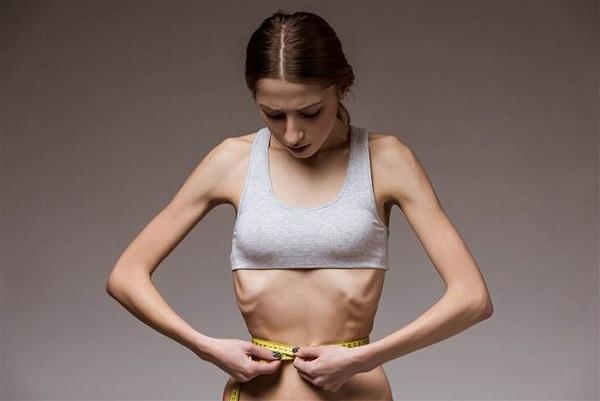 拒食症 原因