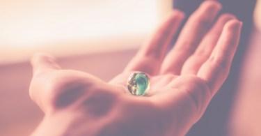 chirologia - co możemy odczytać z dłoni?