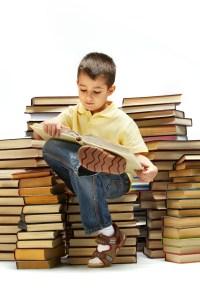 gutt som leser