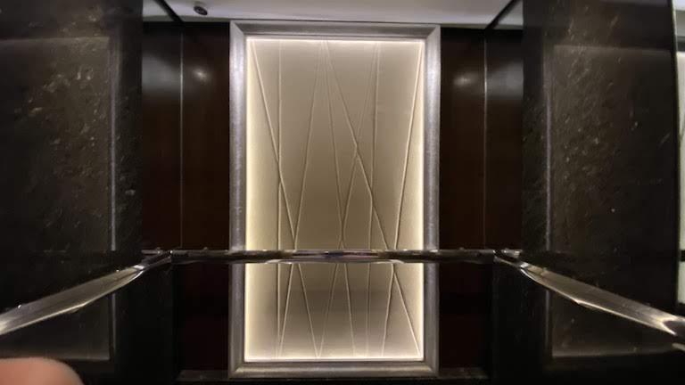 インターコンチネンタルKL エレベーター