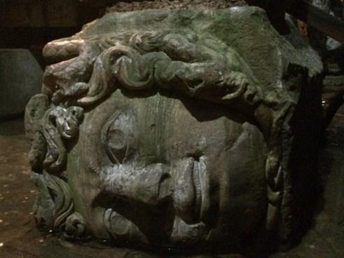 Cabeça da Medusa, Istambul, por Packing my Suitcase.