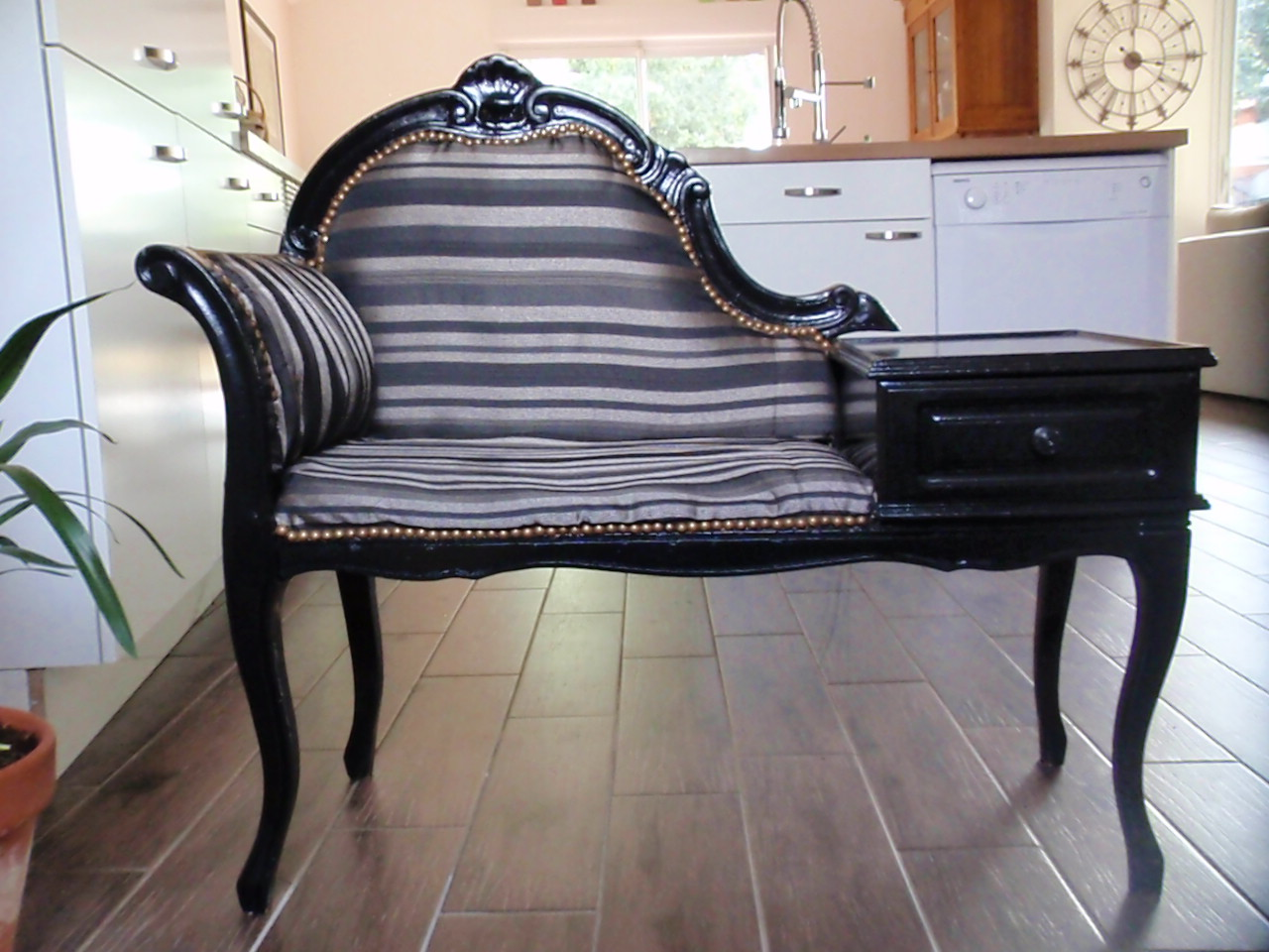 relooker un meuble telephone ancien