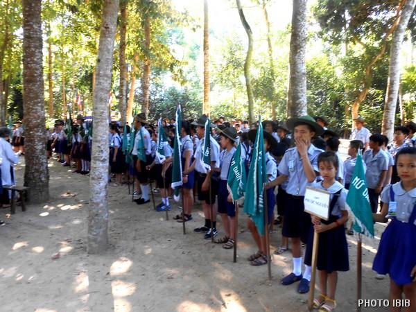 Các Trại sinh chuẩn bị chào đón chư Tăng và các quan khách