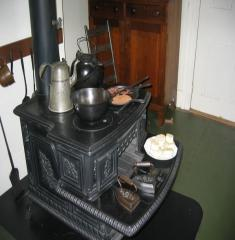 Lincoln Springfield-Kitchen-Stove