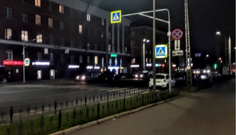 На 15 пешеходных переходах подключат дорожные знаки с ...