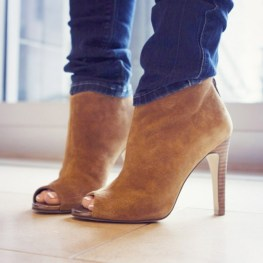 nude boot
