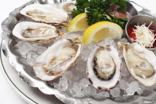 p-joe-fortes-restaurant-oysters_54_990x660_201405311646.jpg