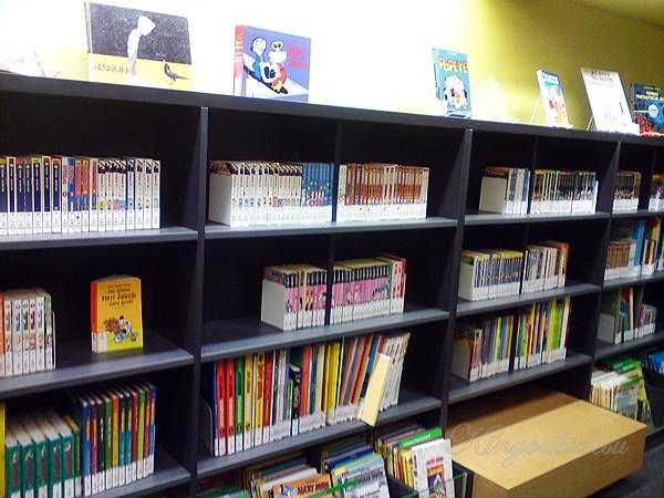 Mangas in der Bibliothek