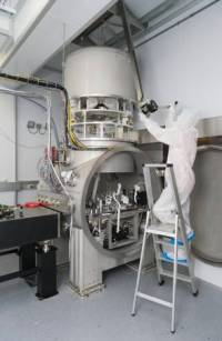 Advanced Virgo optical bench suspended inside its minitower (2016)