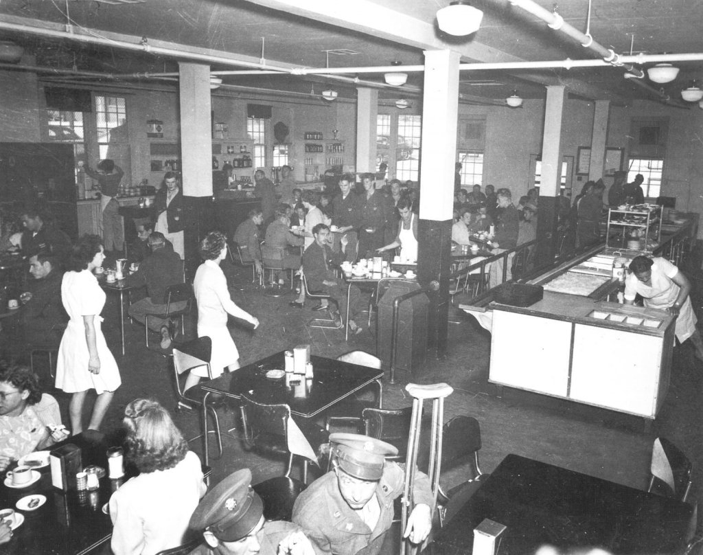 Fort Bliss main cafeteria, 1958