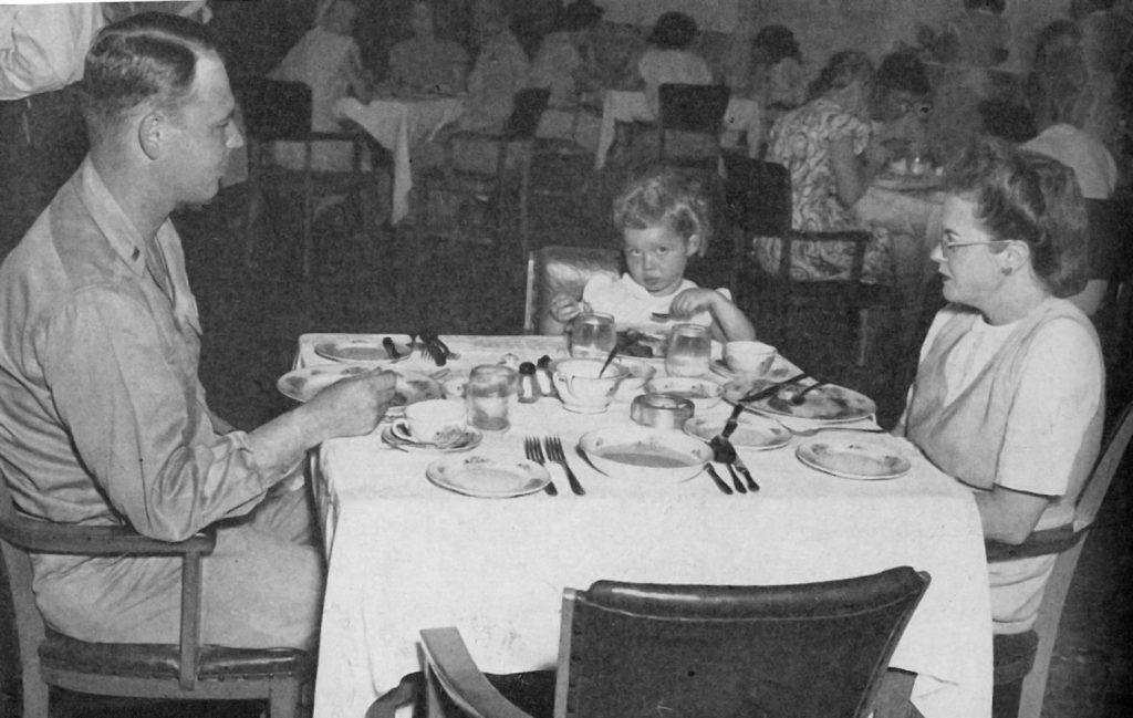 Tokyo PX dining room, 1947
