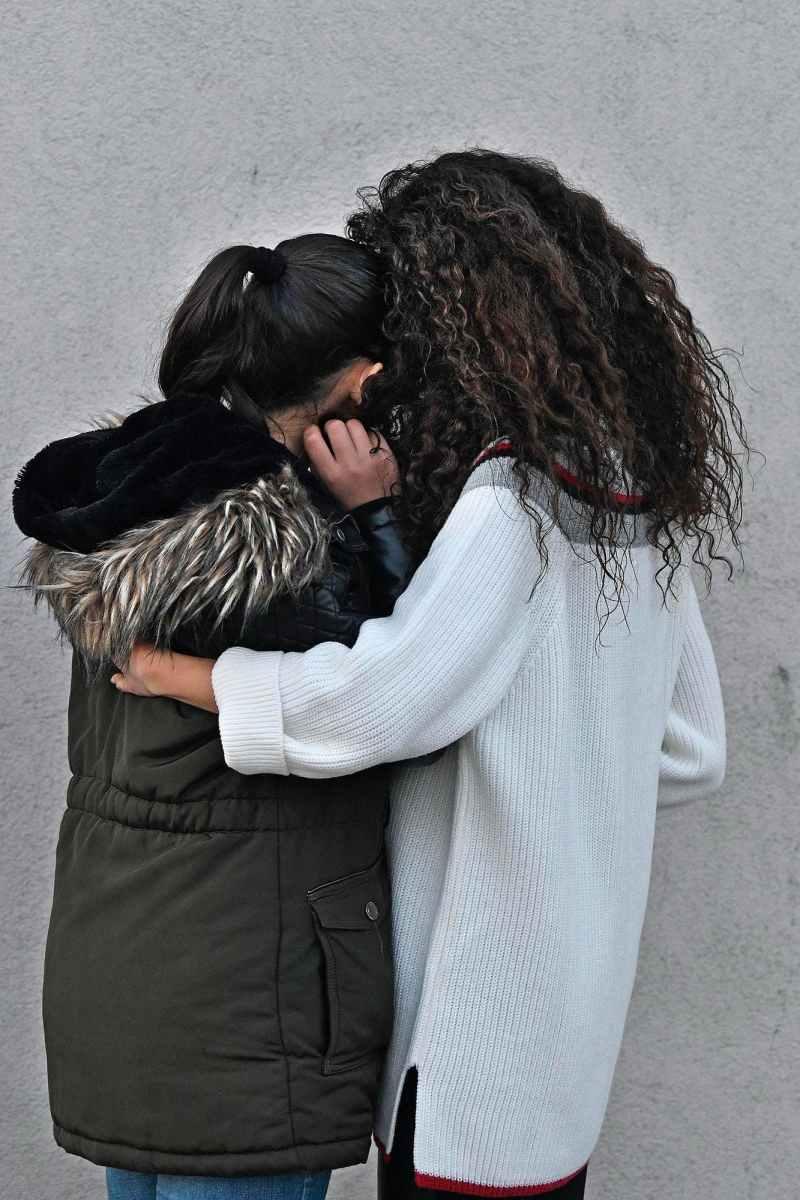 Marina en haar dochter Sofi (12), die op haar 7de naar Nederland kwam. Drie asielaanvragen van Marina werden afgewezen. Vanuit haar schuiladres procedeert ze verder.