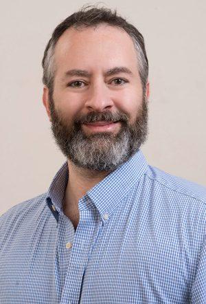 Faculty Headshot for Patrick Bradshaw