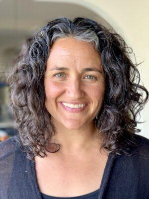 Faculty Headshot for Hannah Thompson