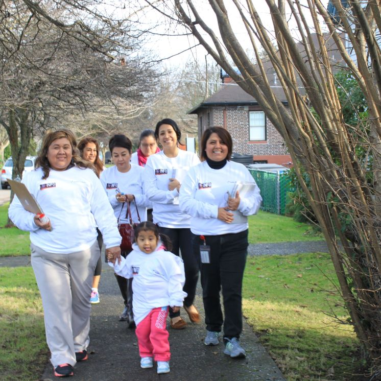 Penny Lara with Promotoras from South Park Information and Resource Center and nurses from UW and Washington Hispanic Nurses Association fan ning out across South Park to let people know about health coverage enrollment.