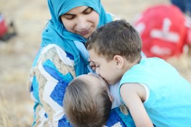 mom-baby-sibling-muslim