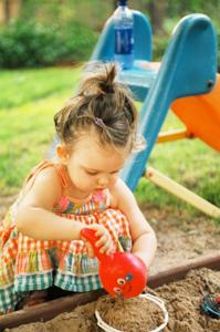 girl_playing_dirt CDC