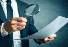 Homem paga R$ 160 mil por imóvel e descobre golpe após saber que escritura é falsa