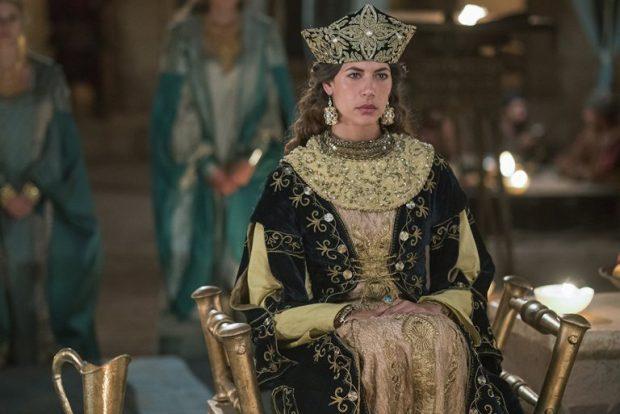 """Photo: Карима МакАдамс на ролята на Касиана в телевизионния серил """"Викинги"""""""
