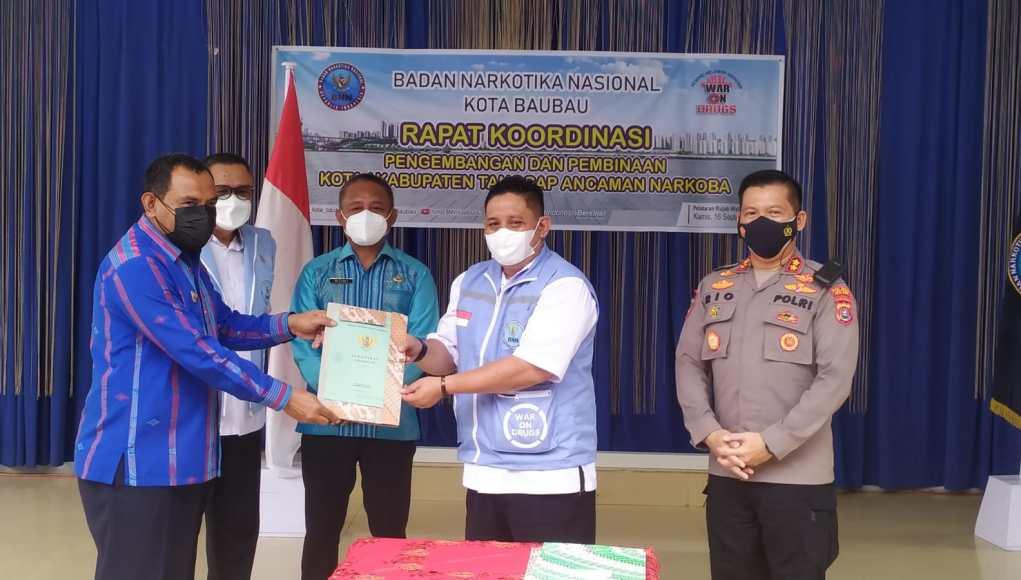 Pemkot Baubau Hibahkan Tanah UntuPemkot Baubau hibahkan tanah untuk pembangunan Kantor BNN