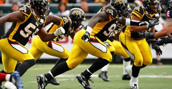 Tiger-Cats kickoff