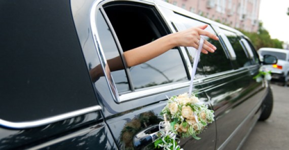 Honeymoon Airport limo service
