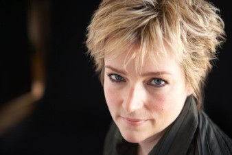 Karin Slaughter has inked a 10-book deal with AudioGO - peoplewhowrite