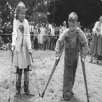 Zastrzyki i usuwanie migdałków a Prowokowanie Polio