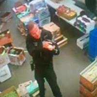 Najazd policji na sklep z nieprzetworzoną żywnością w Los Angeles