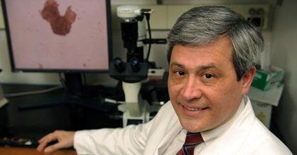 Dr Carlos L. Arteaga