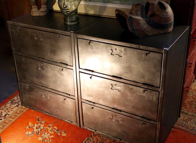 meubles industriel metal a trois clapets