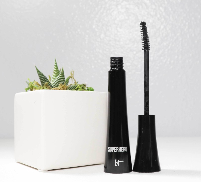 IT Cosmetics Superhero Elastic Stretch Volumizing Mascara