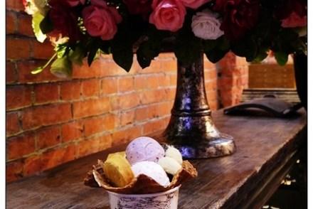 【食記-台中】火車站附近的老建築冰淇淋+伴手禮《宮原眼科》日出旗艦店