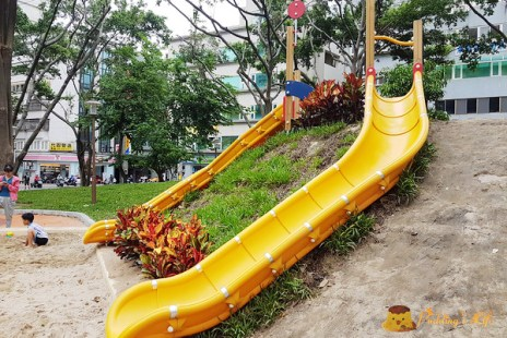 【新竹旅遊】東區-巨城附近親子綠園地《中央公園》沙坑上的溜滑梯新登場