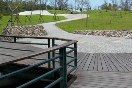 【宜蘭遊記】礁溪-大陂湖親子旅遊景點《龍潭湖風景區》大碗公溜滑梯