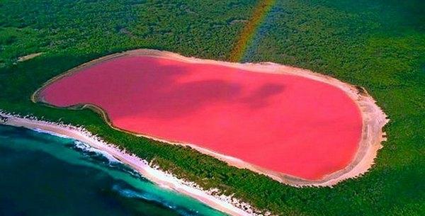 El enigma del lago rosa