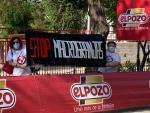 Stop Macrogranjas CLM le da la bienvenida a la vuelta ciclista y se opone a patrocinadores como ELPOZO