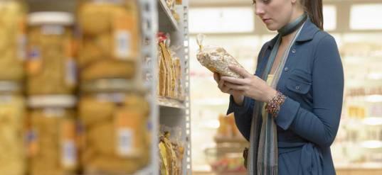 los-alimentos-que-nunca-debes-consumir-fuera-de-fecha-si-existen-caducidades-reales.jpg