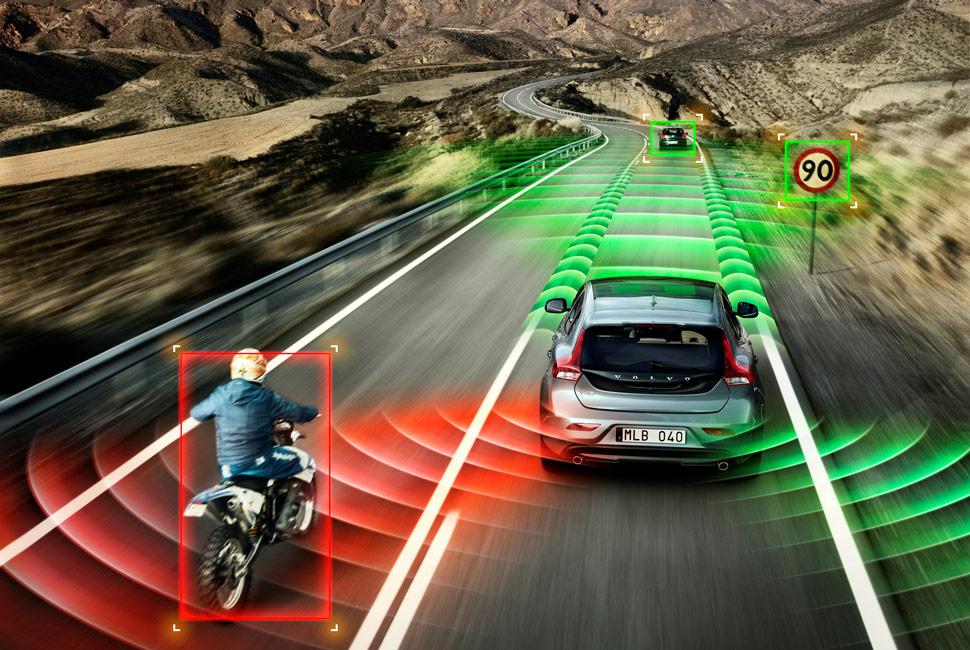 Semi-Autonomous-Cars-Gear-Patrol-LEad-Full.jpg