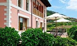 Terraza exterior del hotel puerta del oriente
