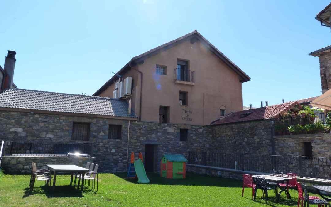Apartamentos Pirineos Casa Rural
